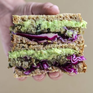 Easy vegan lentil quinoa sandwich ready for lunch in less than 5 minutes!