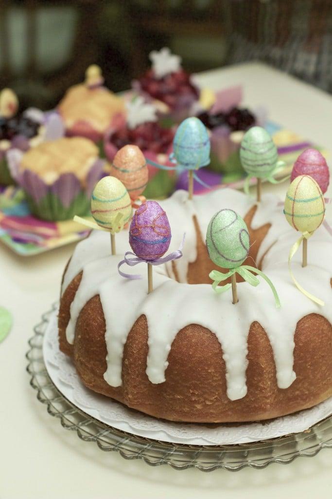 Lemon bundt cake for Easter
